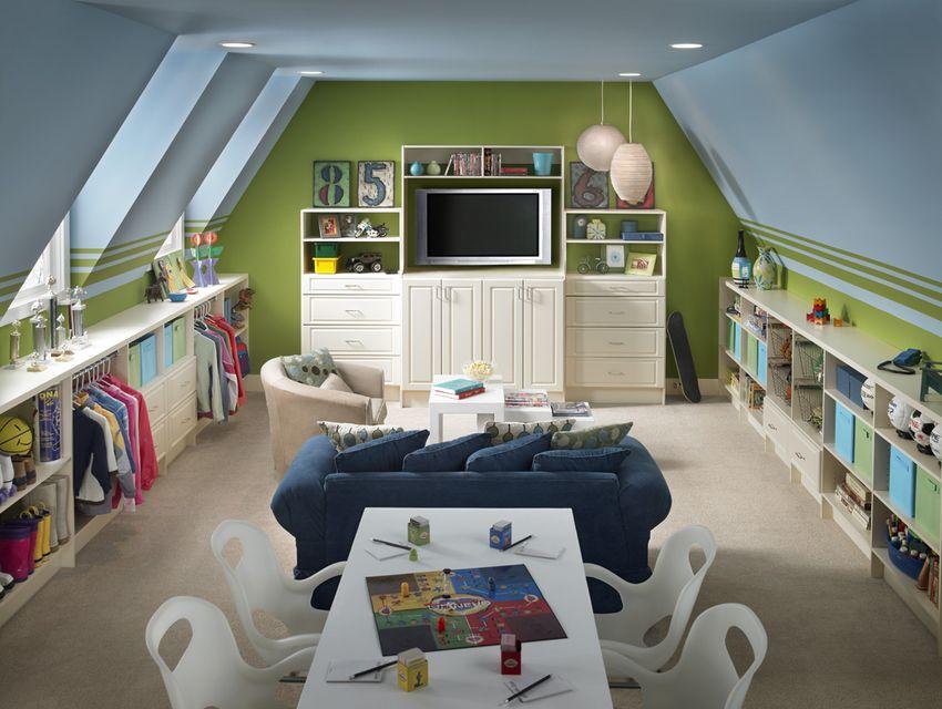 Childrens room furniture