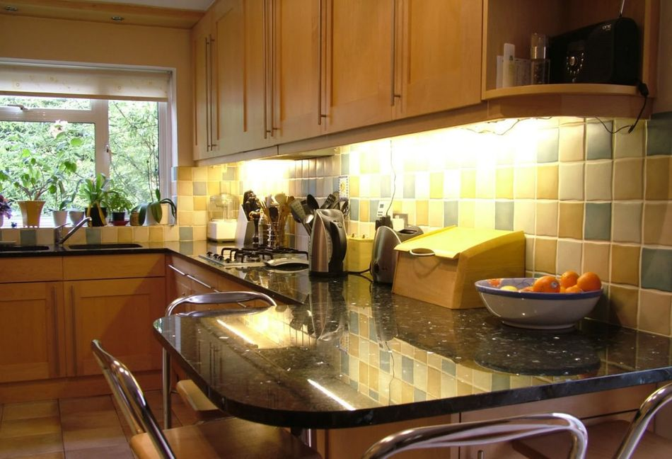 Fresh idea to design your modern kitchen cabinet with mosaic tile ...