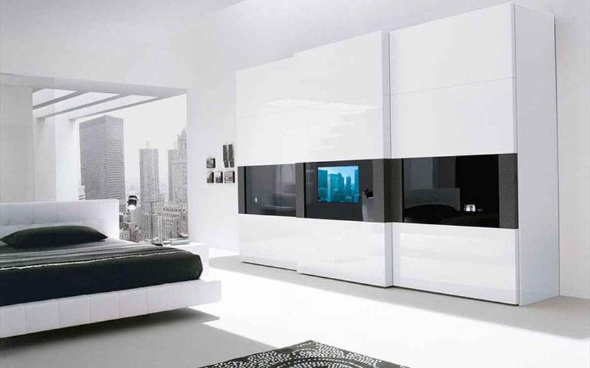 White wardrobe sliding doors