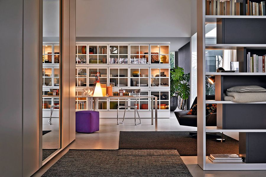 Apartment decorating with showcases