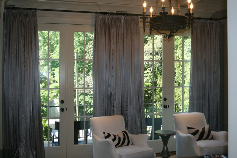 Some types of living room curtains drapes for large windows - Living room window treatments for large windows ...