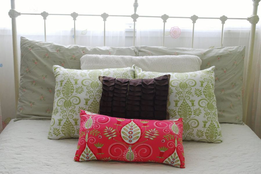 Home Decorating Ideas with Pillows