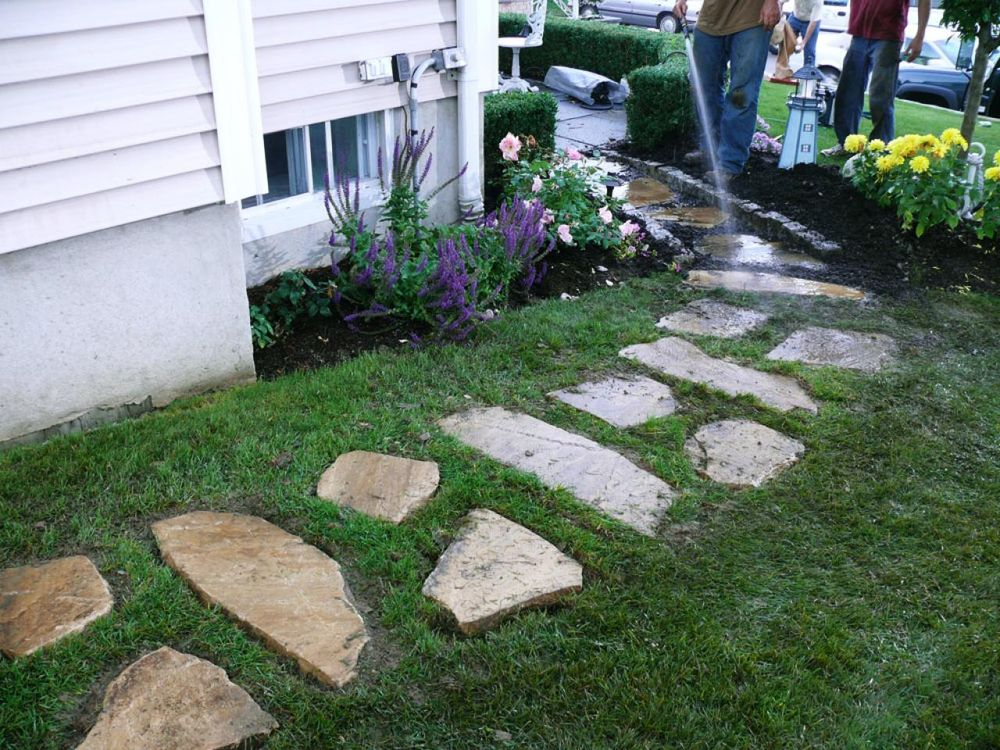 The best front yard landscaping with stones for your house for The best front yard landscaping