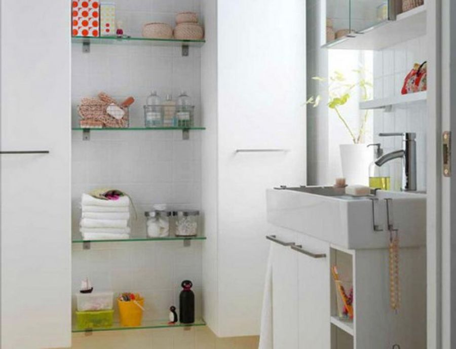 Glass bathroom shelves design