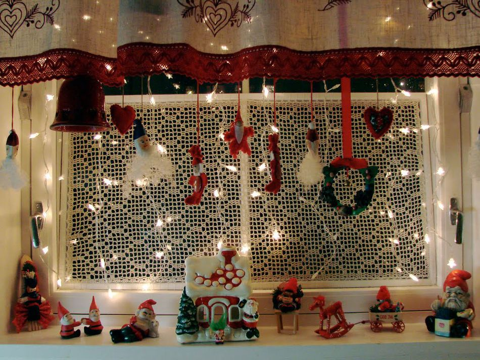 children room window decorations - Ideas For Decorating A Bay Window For Christmas