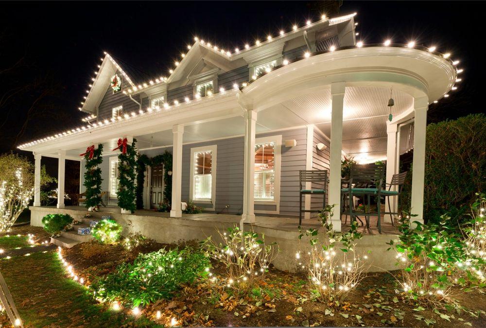 Christmas lighting house idea