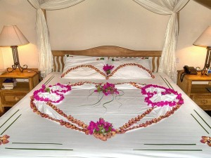 Romantic Room Decorating tips for Anniversary